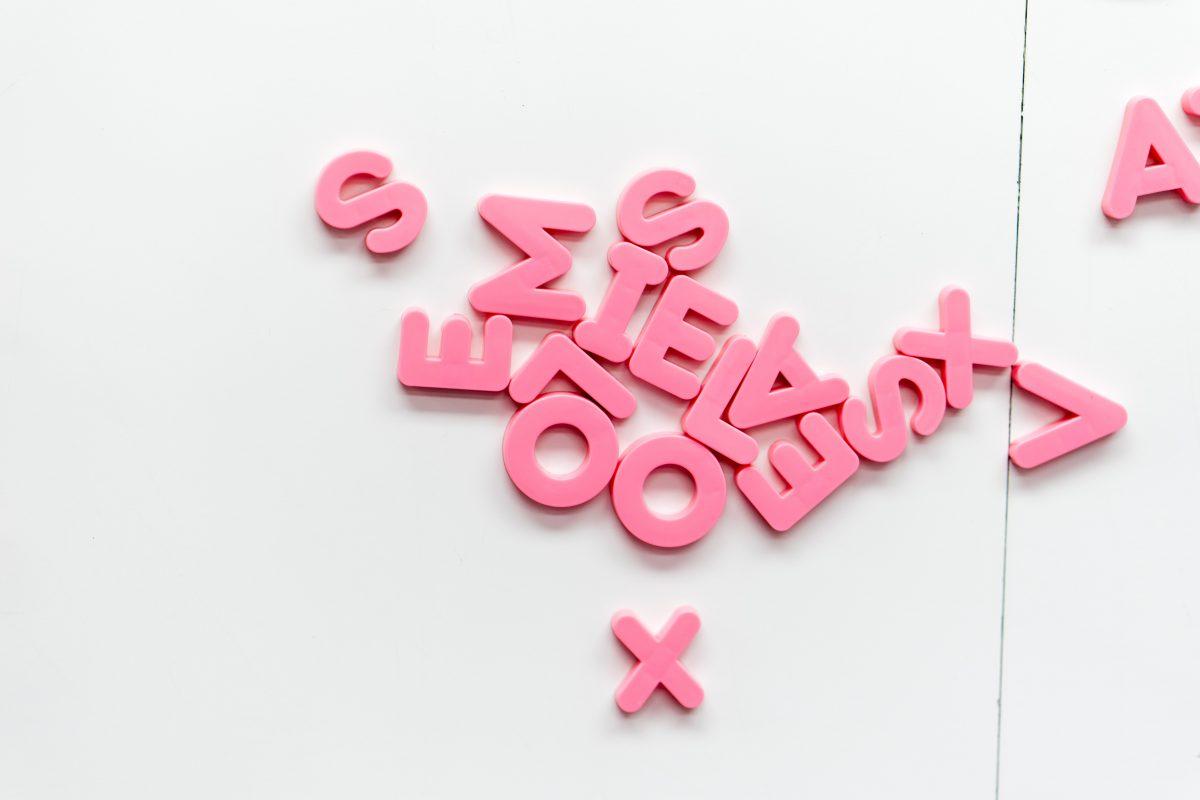 letters - bron unsplash